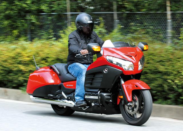 ホンダ ゴールドウィング F6B  バガースタイルとは、サイドバッグ付きのツーリングモデルをベー